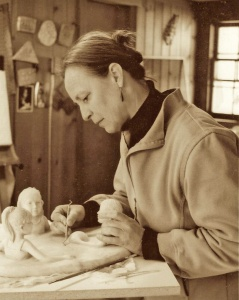 Photo of Marilyn Thrall, sculptor